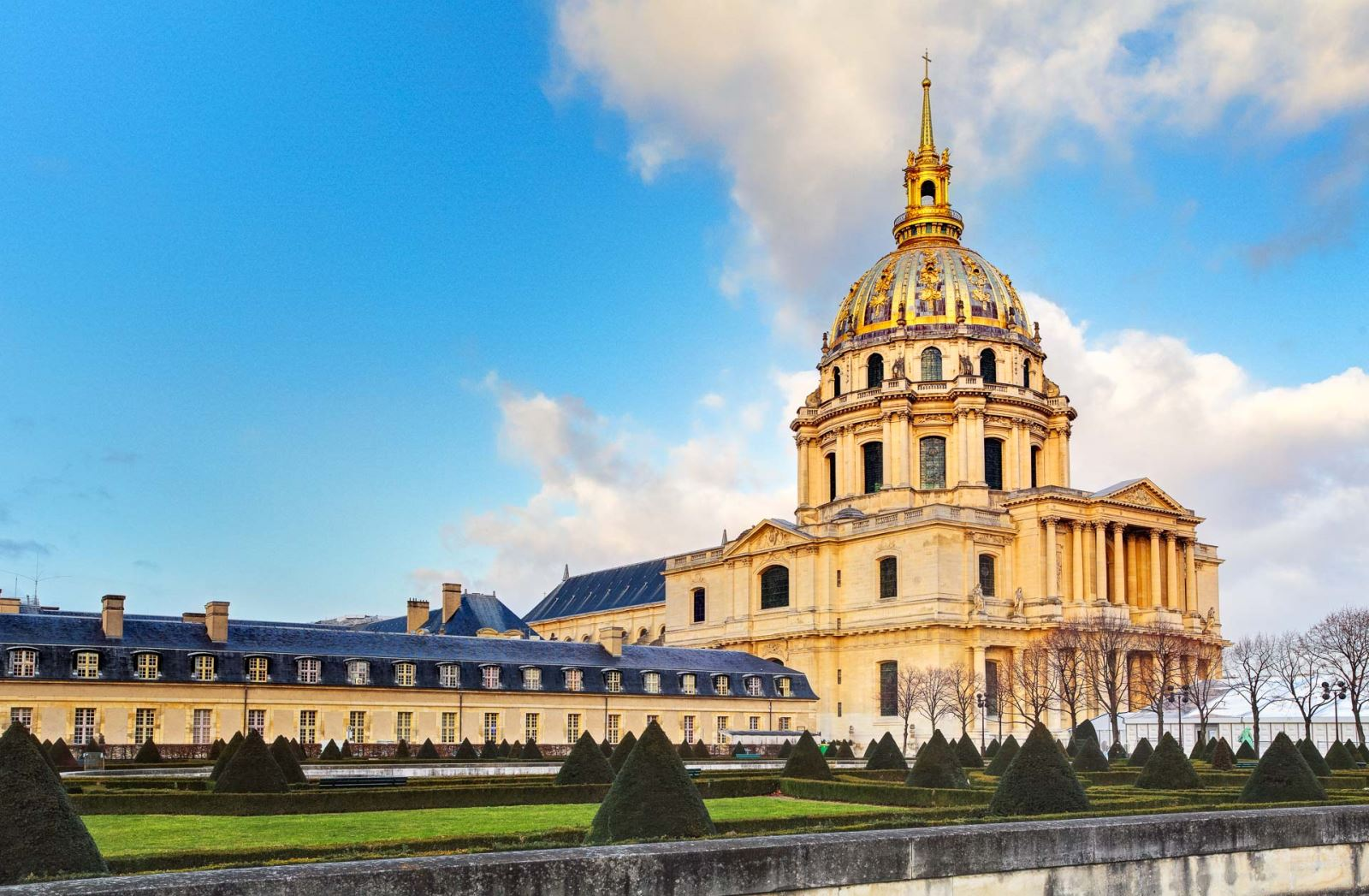 invalides-aussie-travel